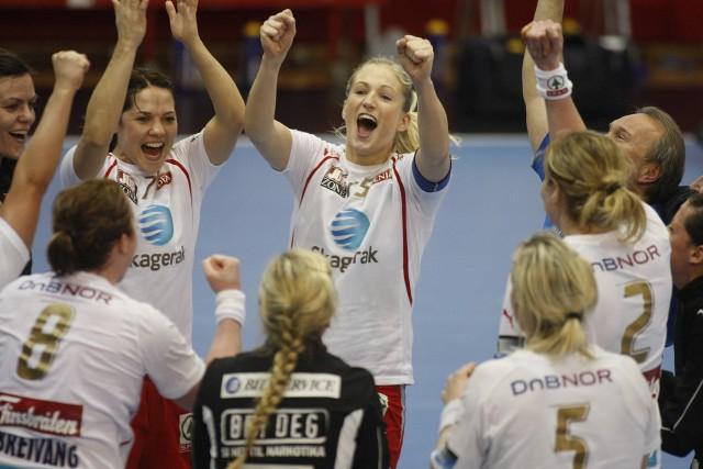 Larvik HK med borteseier over FC Midtjylland