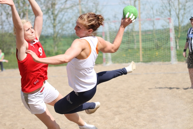 Beachjentene møtte Danmark til treningskamper