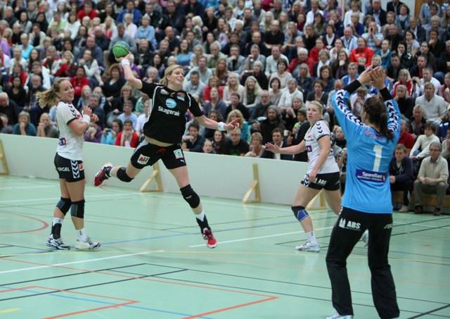 tonje_larsen_vs_flint_cup