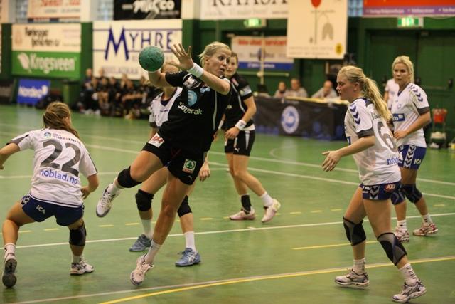 nordstrand_vs_larvik_heidi_loke