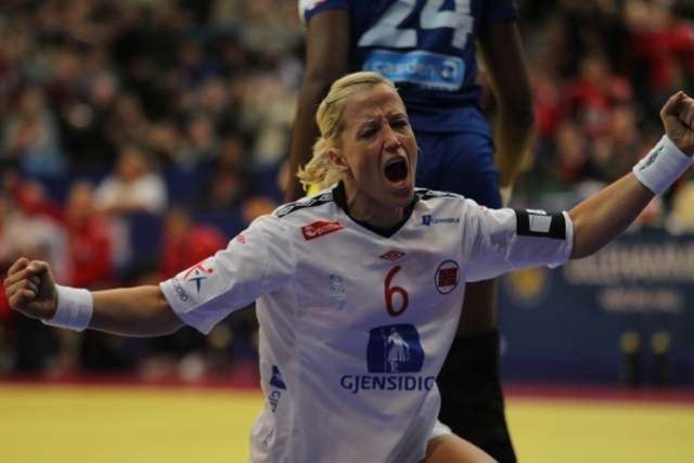 Heidi Løke med 1000 mål for Larvik HK
