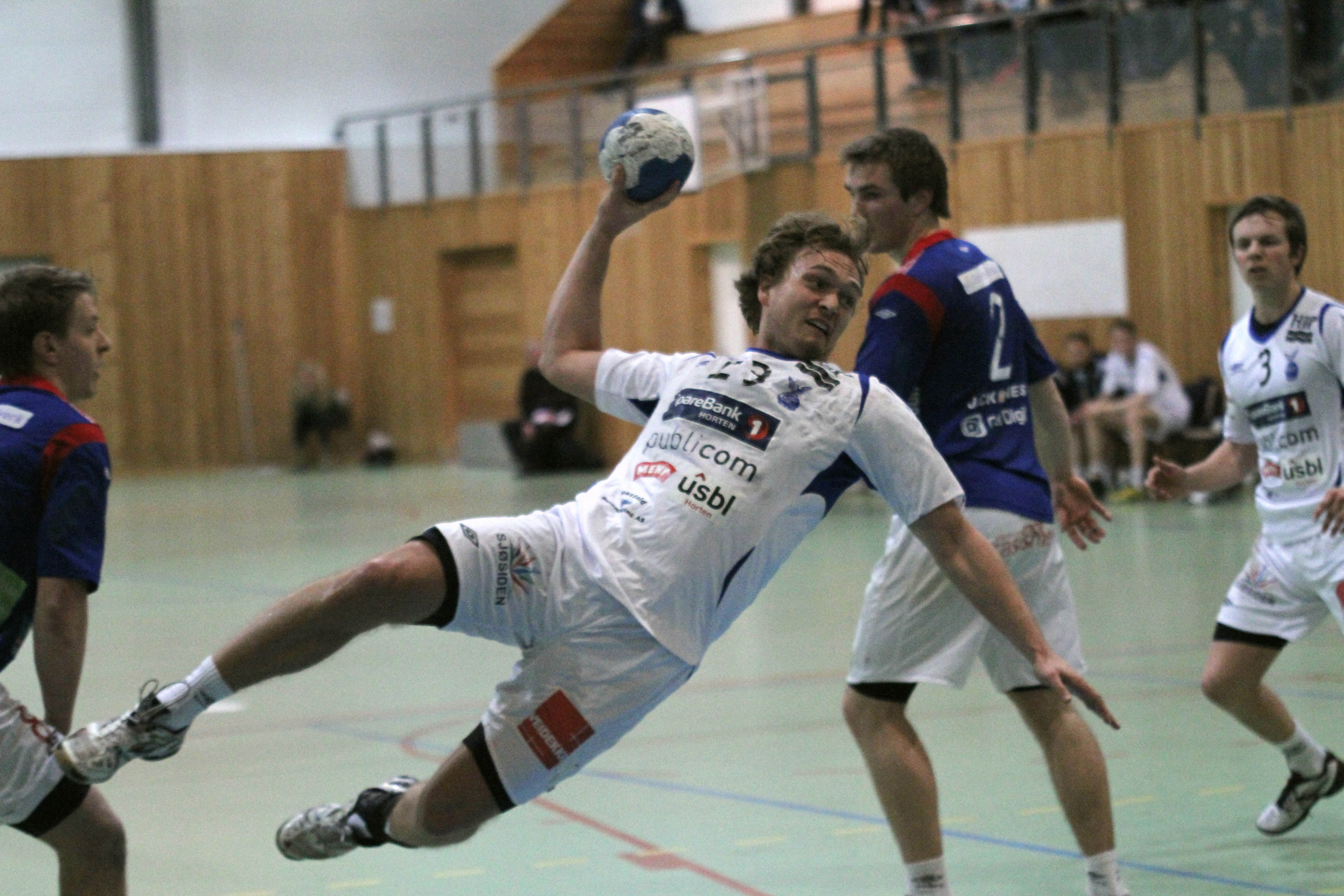 Ole Cato Holden scoret fem mål for Falk Horten mot Vålerenga