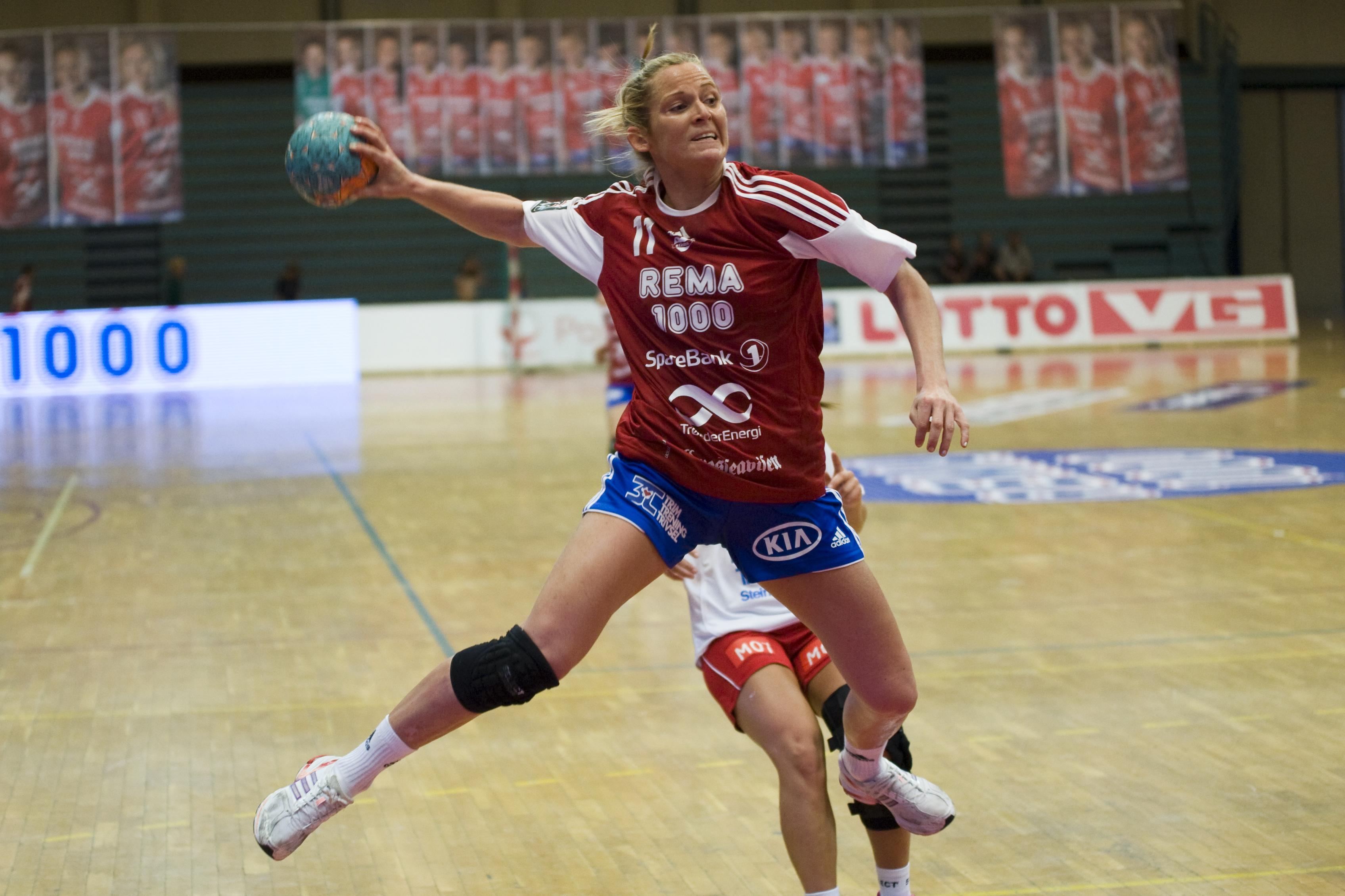 Ida Alstad satte inn hele 14 mål og ble kampen beste spiller. Foto: Håvard Loeng