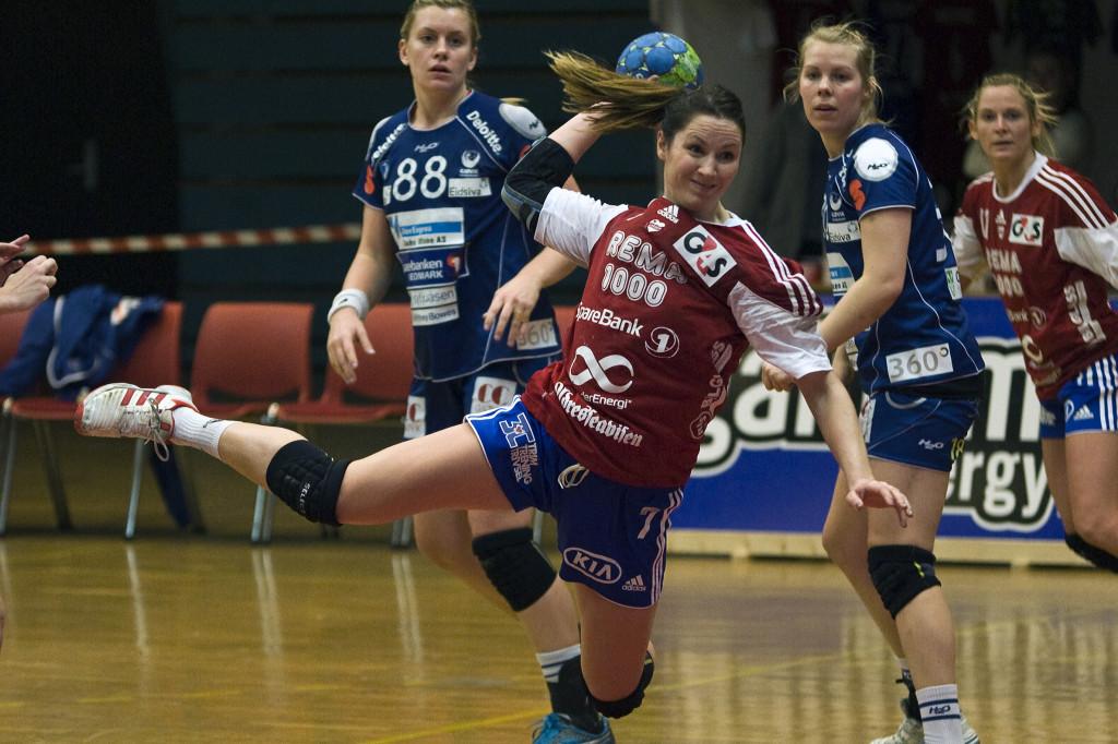 June Andenæs gjorde en god jobb på streken for Byåsen. Foto: Håvard Loeng
