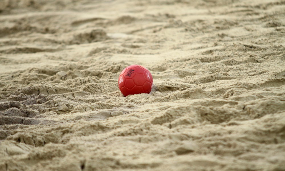 ball_in_sand