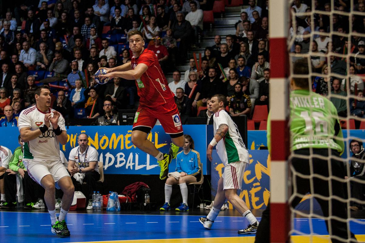Espen Lie Hansen i et av sine gjennombrudd mot Ungarns mål. | Foto: Bjørn Kenneth Muggerud