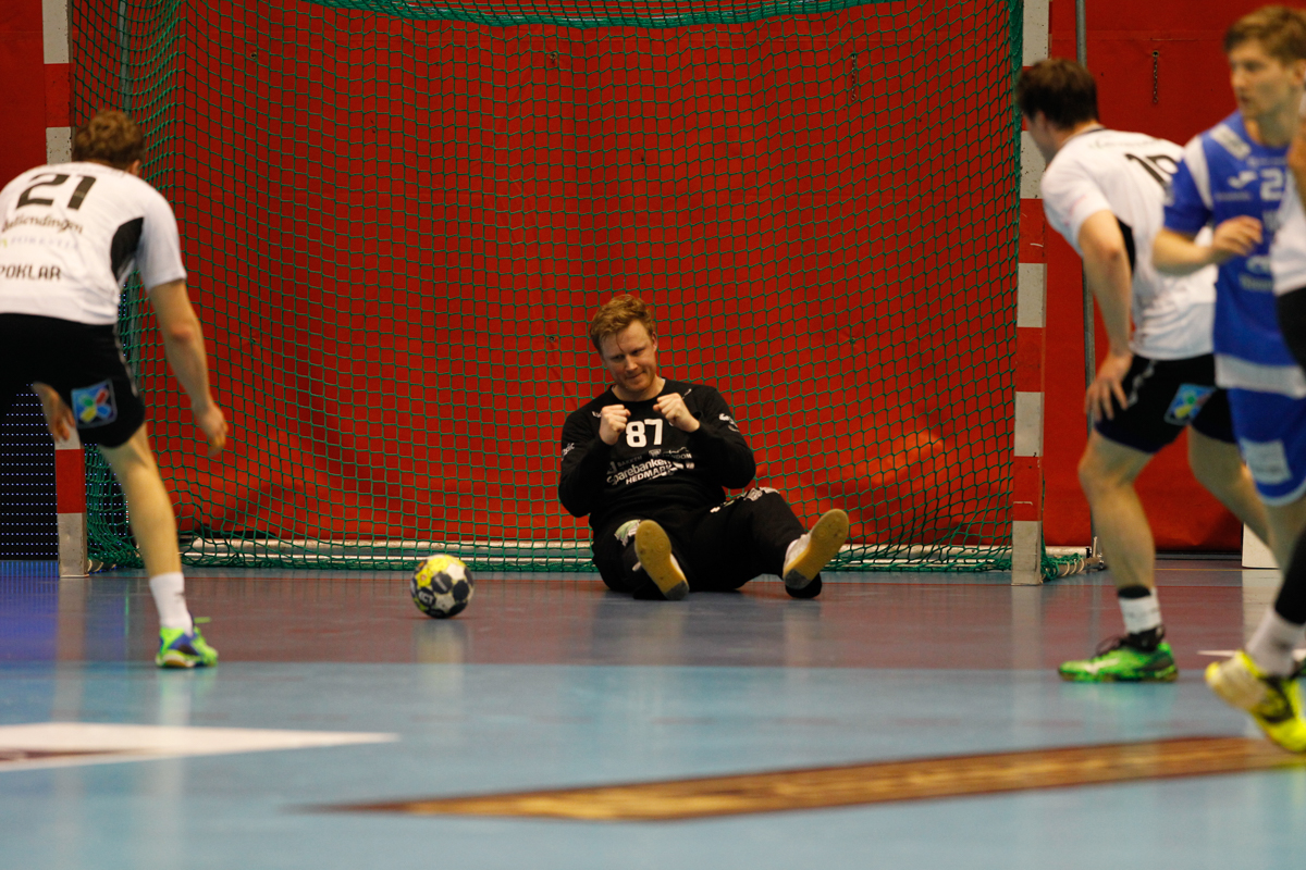 BEST: Morten Nergaard jubler etter nok en reddning. Foto: Yngvar Brekke