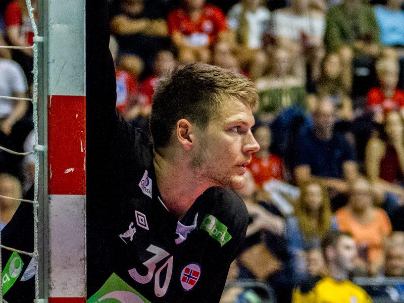 Håndballguttas målvakt Torbjørn Bergerud stod atter en gang en god kamp og ble kåret til banens beste for Norge mot Litauen. | Foto: Bjørn kenneth Muggerud
