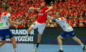 Mikkel Hansen banket inn 14 mål i gruppefinalen mot Norge i Jyske Bank Boxen under VM 2019. | Foto: Bjørn Kenneth Muggerud